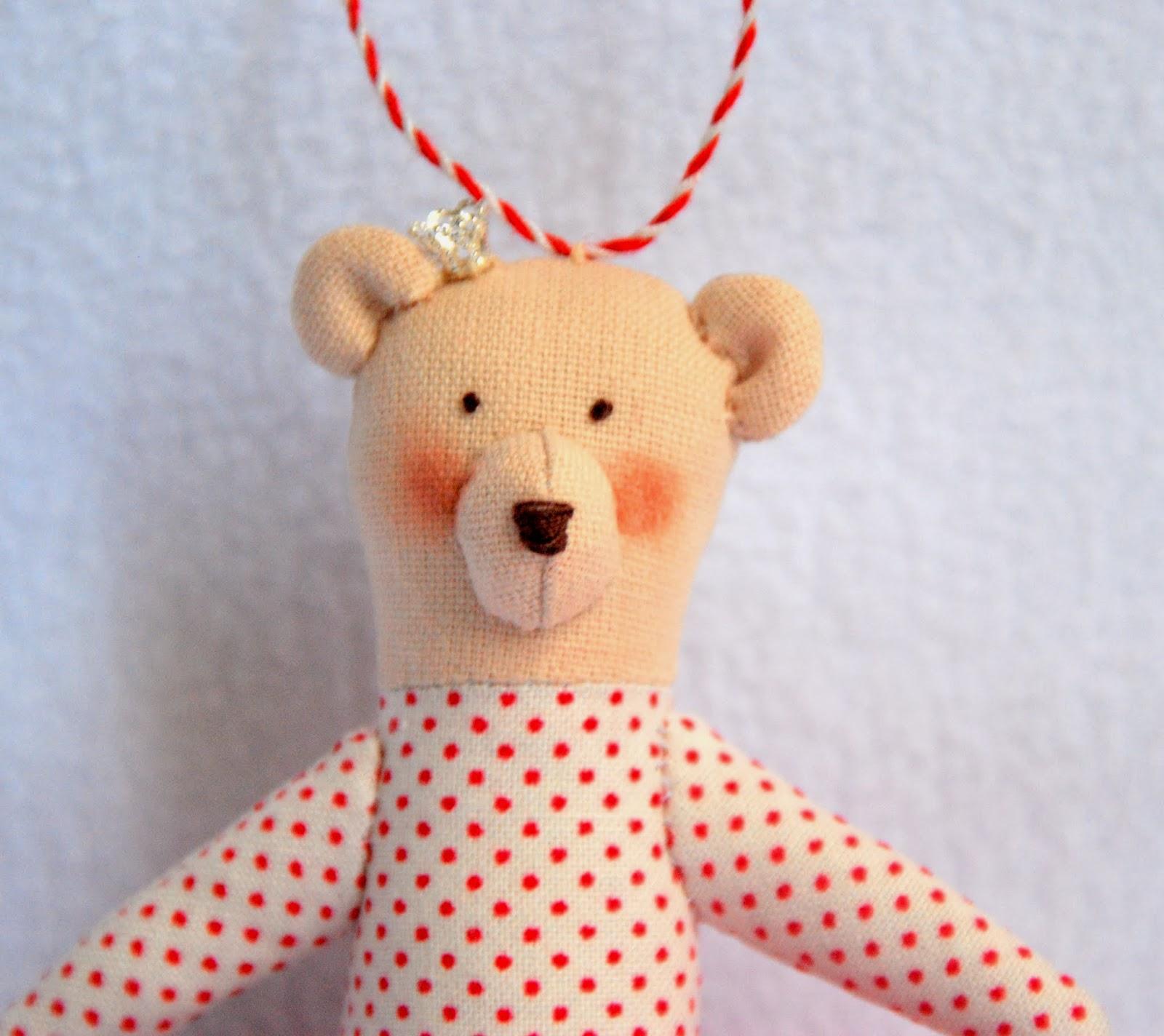 медвежонок на елку