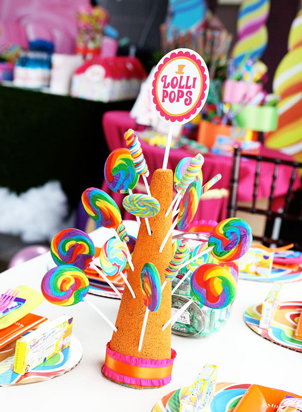 Cherry blossoms friday 39 s party willy wonka birthday celebration - Candyland party table decorations ...