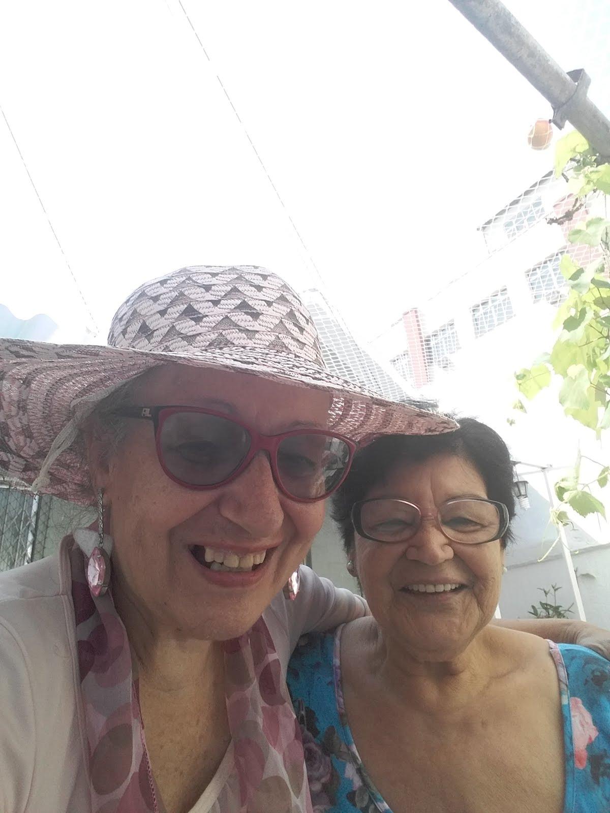 Com Irenice minha vizinha de 84 anos
