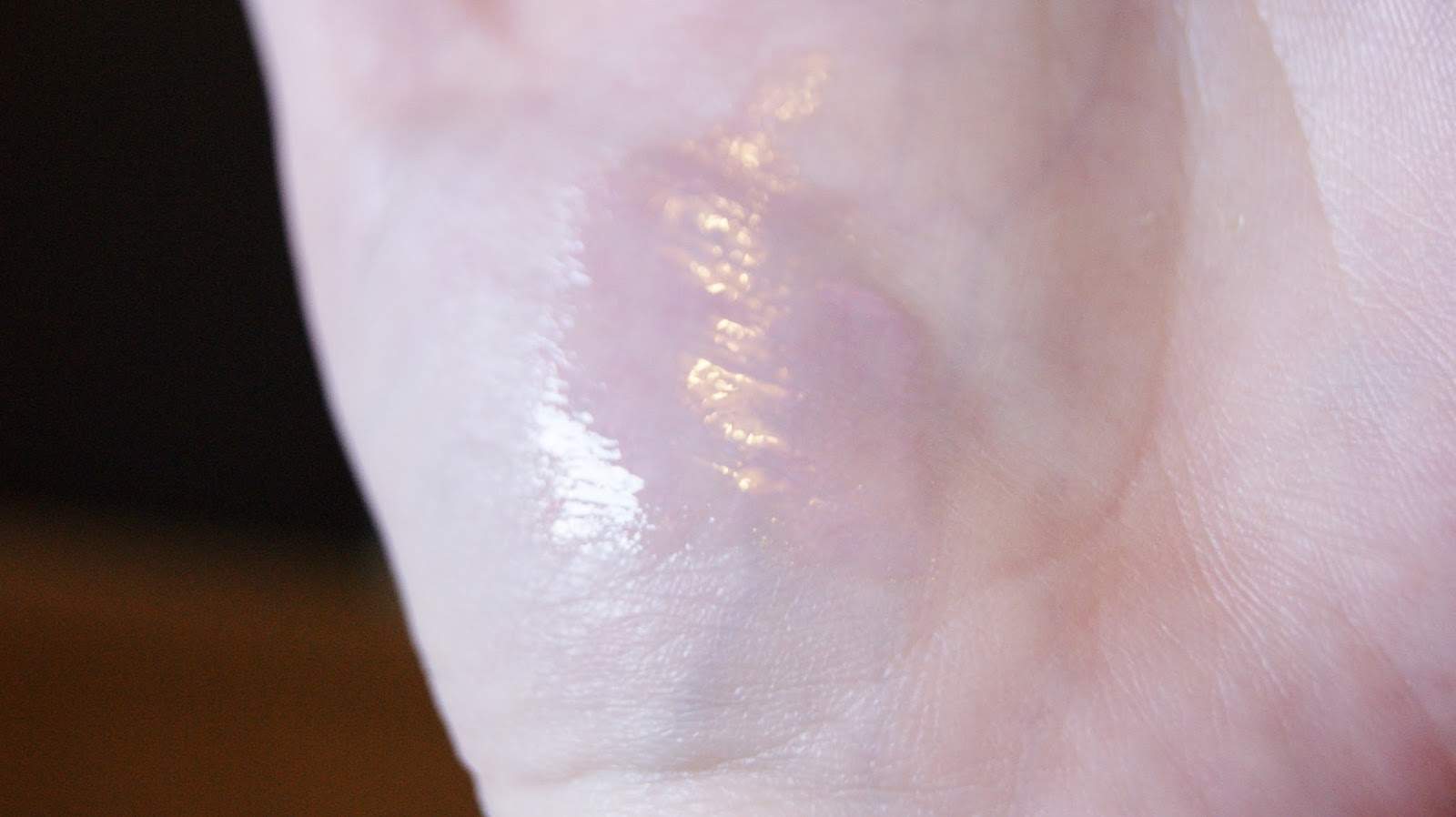 Bare Minerals Marvelous Moxie Lipgloss in Hypnotist Swatch