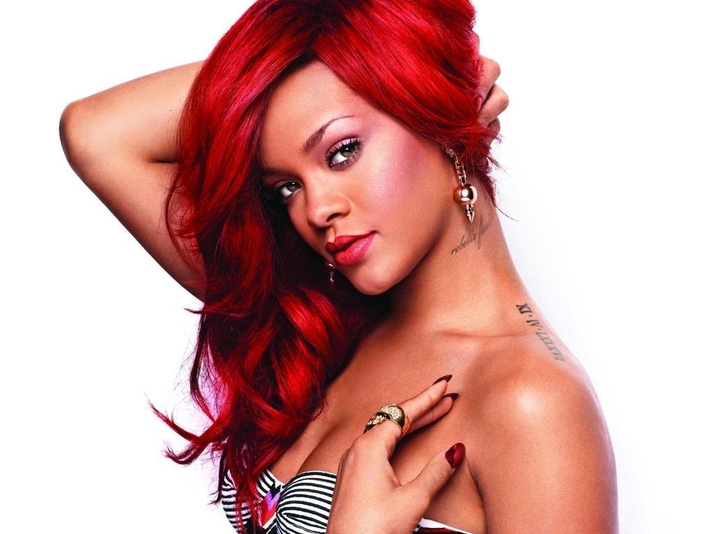 http://2.bp.blogspot.com/-_BqpDdS9HVw/UM7zEh_kdBI/AAAAAAAACtU/h9BtsCqTgiU/s1600/Rihanna+New+Hot+HD+Wallpaper+2012-2013+02.jpg