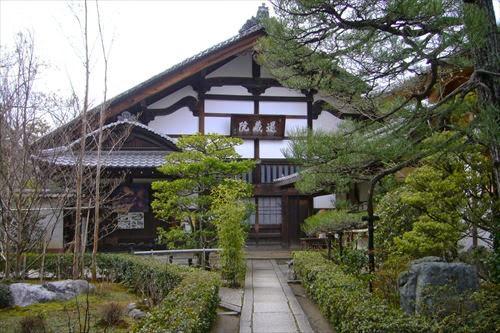 京都市右京区|妙心寺退蔵院 春のお食事付き特別拝観