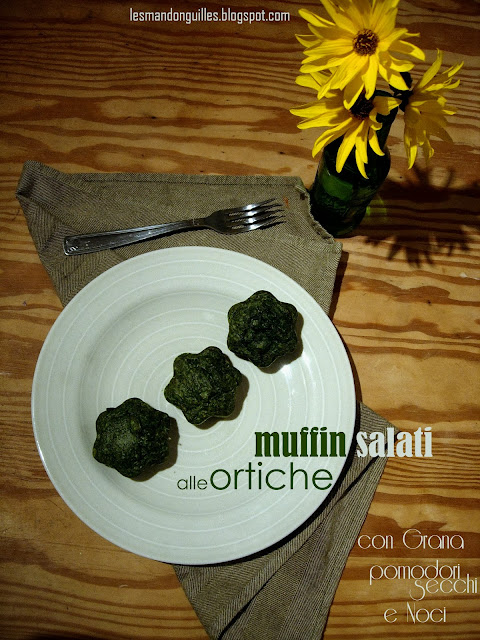 muffin salati alle ortiche con grana, pomodori secchi e noci