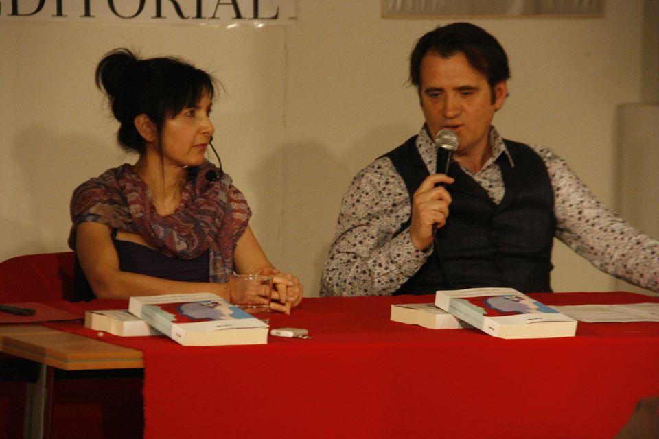 Actriz en presentación de Amanecer en Famara, de Antonio Andújar Castro