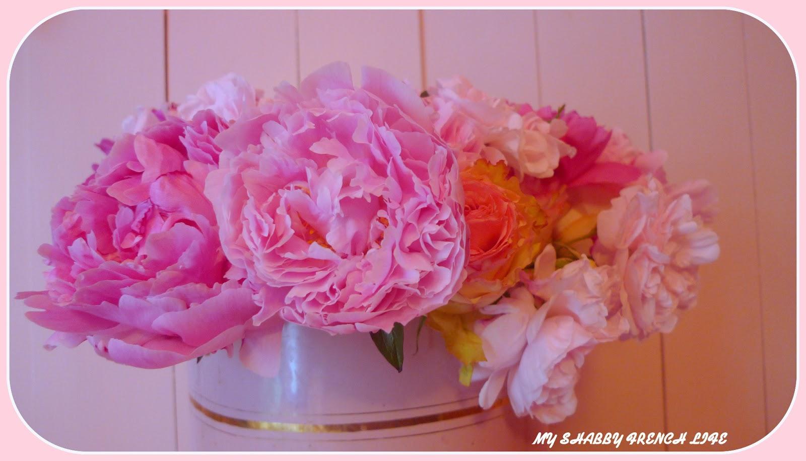 my shabby french life roses et pivoines fleurs shabby. Black Bedroom Furniture Sets. Home Design Ideas