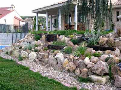 The Most Important Of Your Rock Garden Is To Place The Stones And Rocks In  A Good Way. It Is Important To Begin By Placing Large Stones Are Like The  Base Of ...