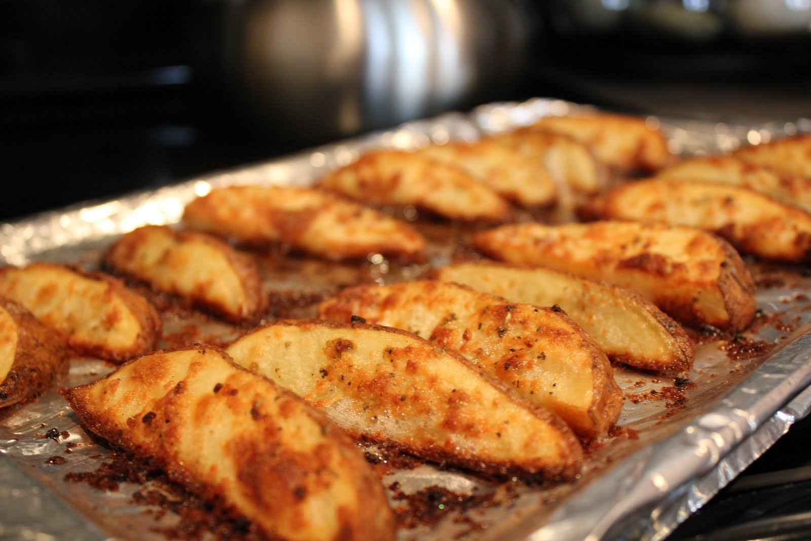 The Kipe Kitchen: Parmesan Potato Wedges