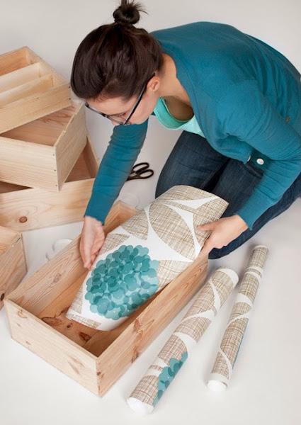 Diy forrar muebles con papel decorar tu casa es - Forrar muebles con papel pintado ...