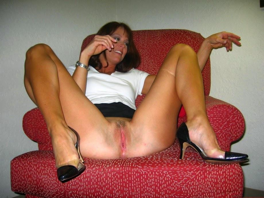 Temizlikçi kadını siken genç adam  Çizgi Porno Mobil