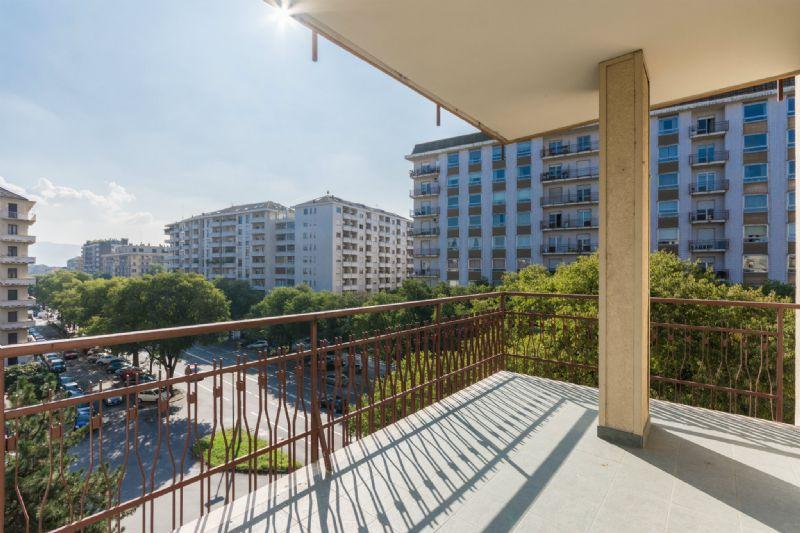 Appartamento con Terrazzo, Torino zona Pozzo Strada ~ Square ...