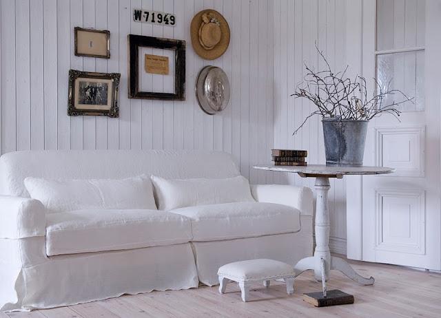 Seaseight design blog reader request light blue floor for Arredamento shabby chic ikea