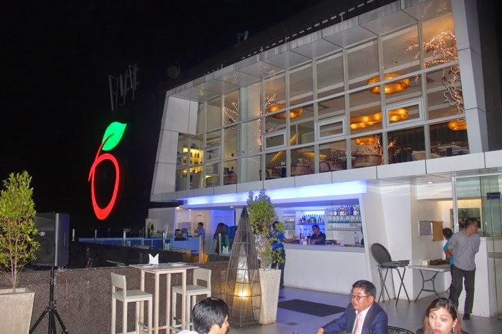 Blue Elephant Sky Lounge, 19th Level Apple One Building, Cebu Business Park