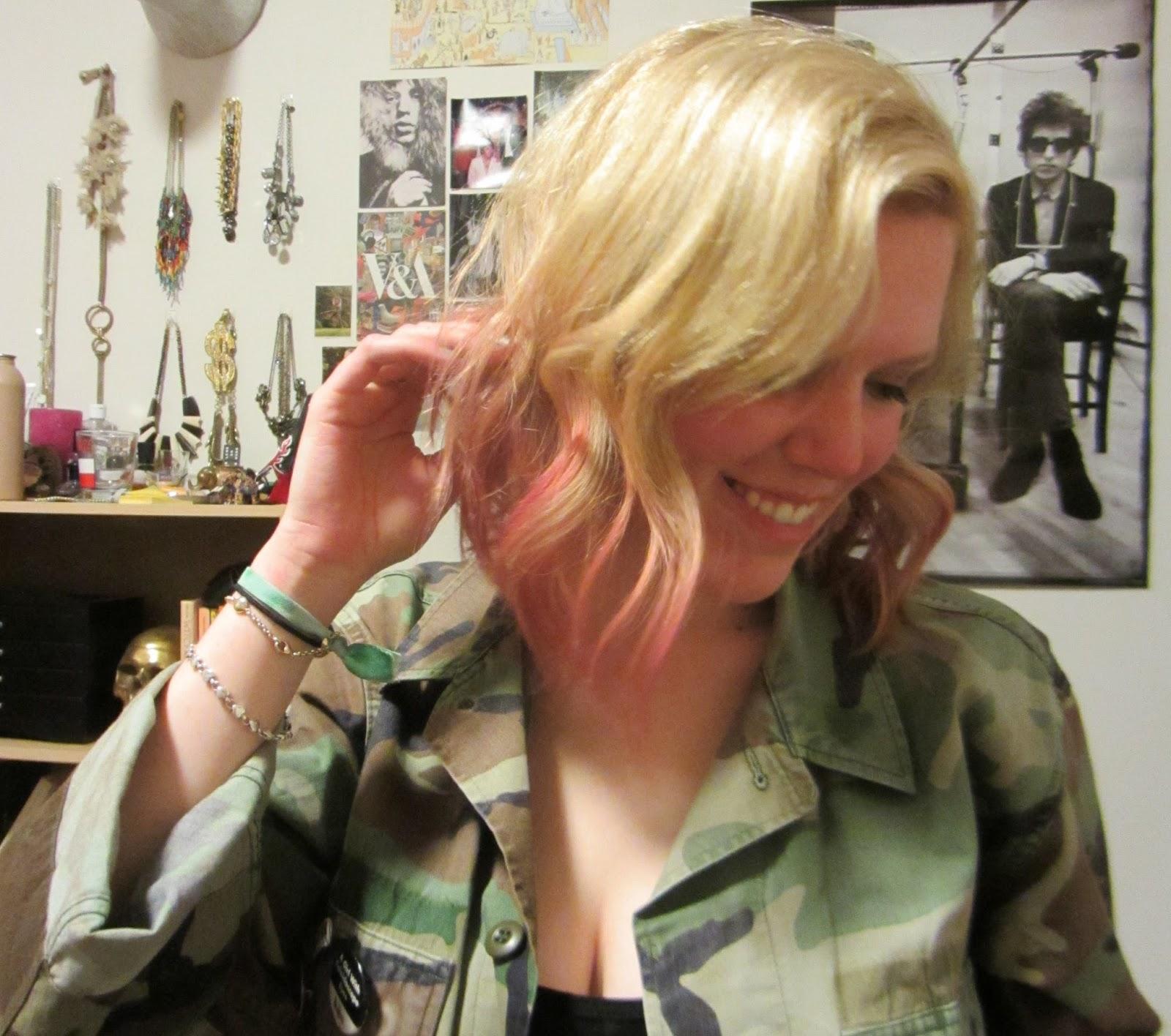 http://2.bp.blogspot.com/-_CvlaHEVa7Q/UUN9lGpo8YI/AAAAAAAAEqA/SCMyzfT7DXo/s1600/DRG_Pink+Hair.jpg