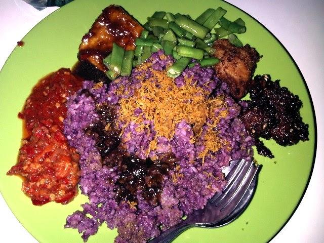 Nikmatnya Menyantap Menu Makanan Di Nasi Kalong