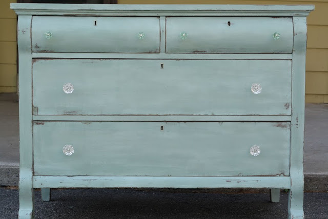 cassie primitive proper chalk paint