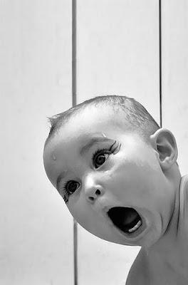 gambar-ekspresi-wajah-kaget-bayi