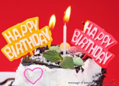 tarte d'anniversaire avec un mot d'amour