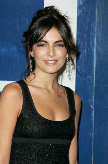 New Nices Wallpapers Camilla Belle Cleavage