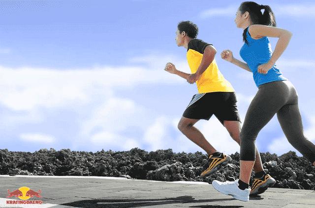 Minuman berenergi kratingdaeng sebagai minuman olahraga yang aman untuk dikonsumsi sebelum dan sesudah melakukan aktivitas olahraga.