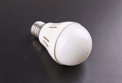 Bola-lampu-abadi