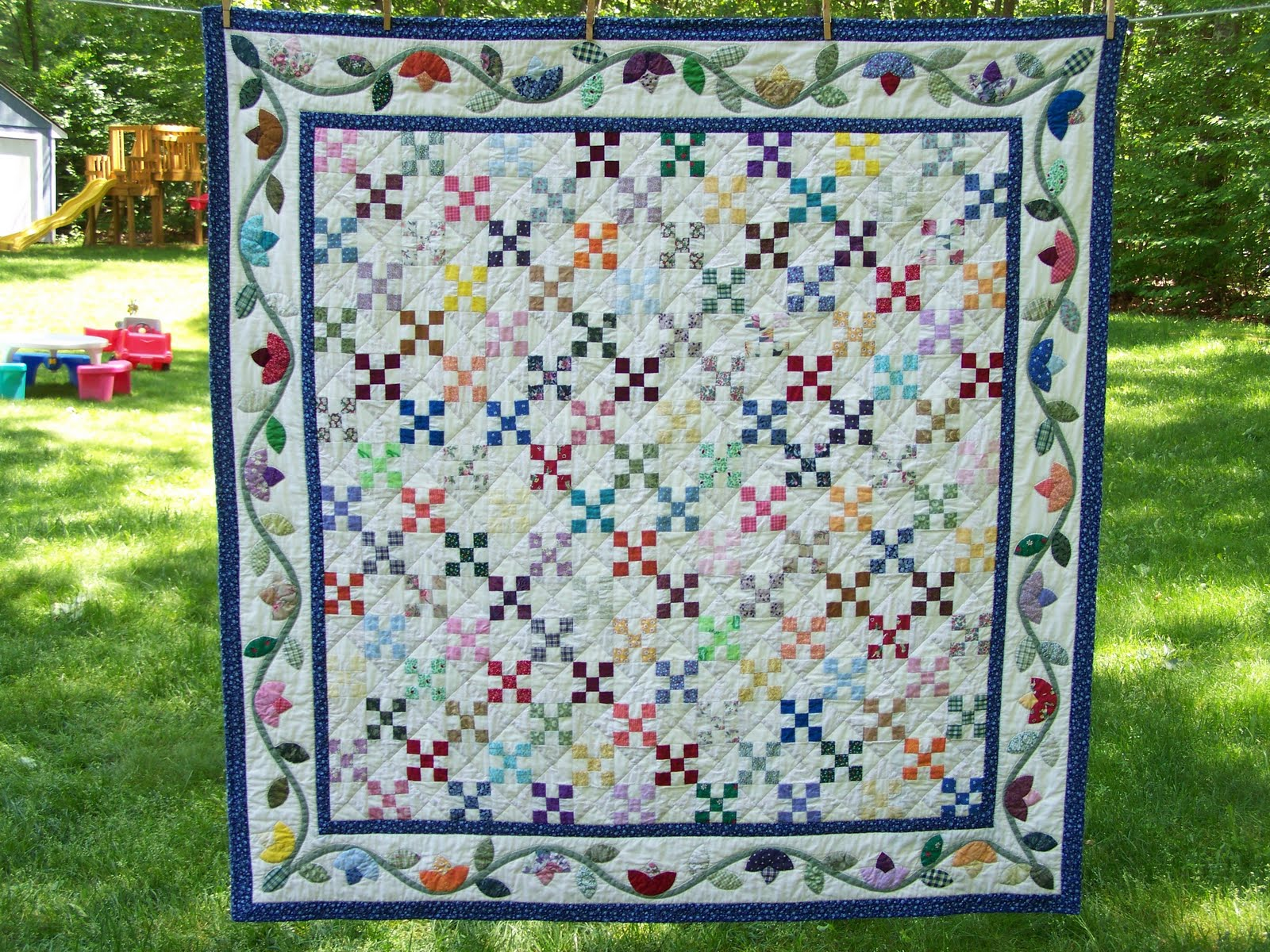 How to Make an Hourglass Quilt Block - Simple Simon and
