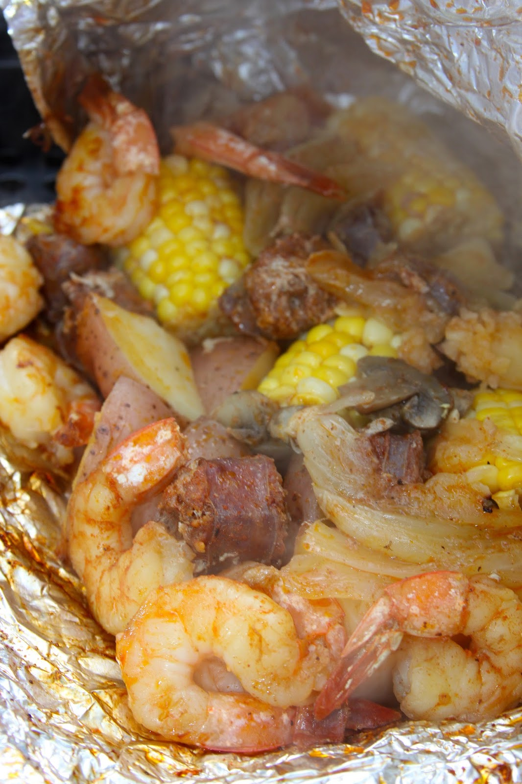 love the easiness of these Cajun Shrimp Boil Grill Packs and how ...