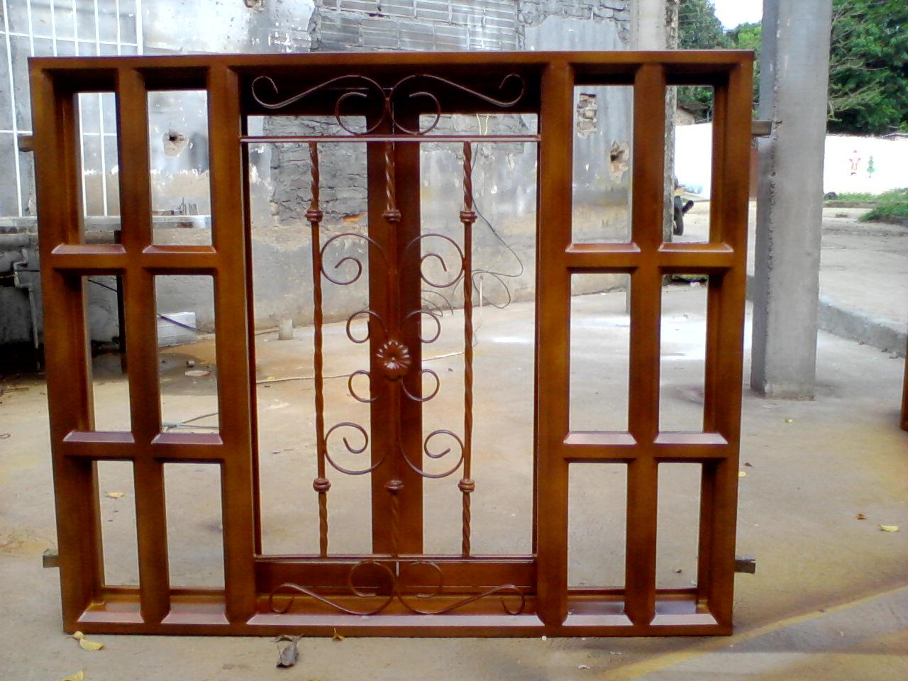 Metalicas fabricacion y montaje jehegre puertas met licas for Puertas metalicas