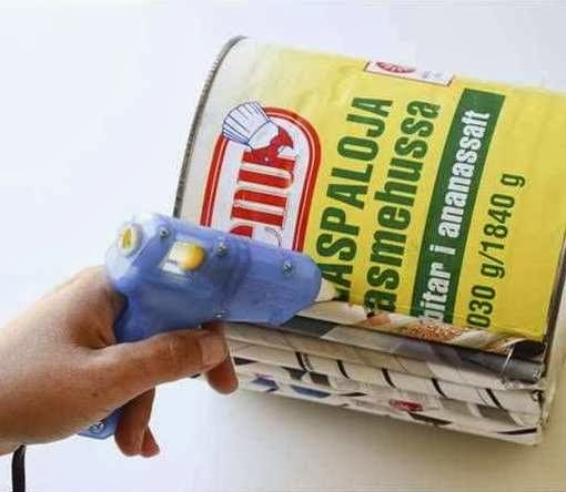... kerajinan tangan dari kertas , pot bunga dari kertas koran bekas