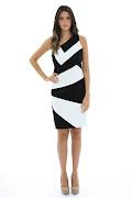 Vestido preto e branco sempre está na moda (vestido preto branco )