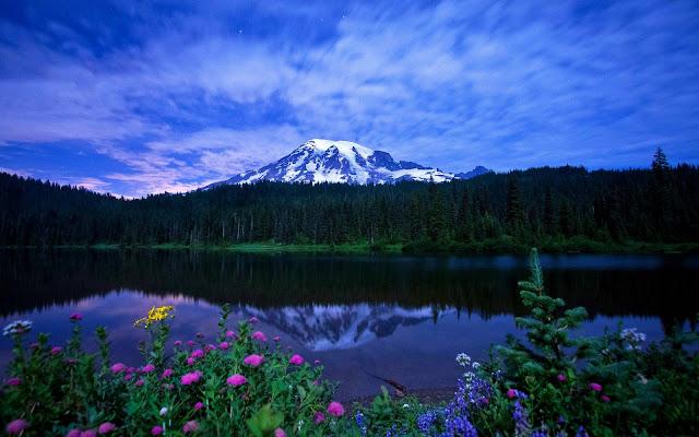 Imagen Reflexión de una Montaña en un Lago
