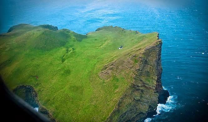 A ilha de Ellioaey