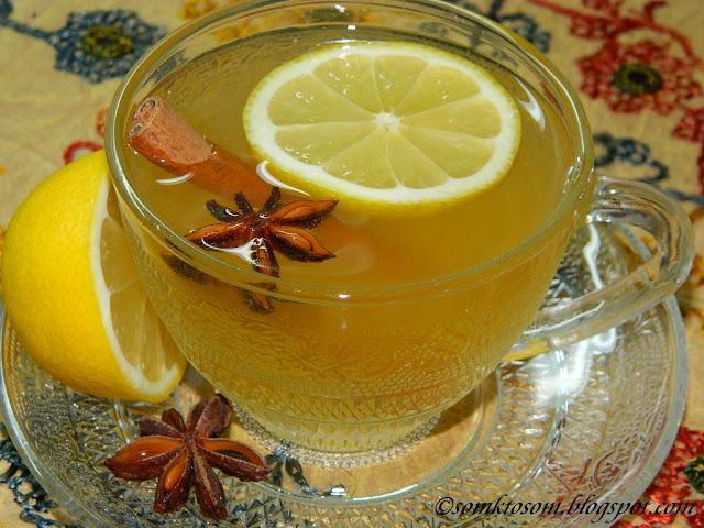 Horúci jablkový nápoj s badyánom a citrónom