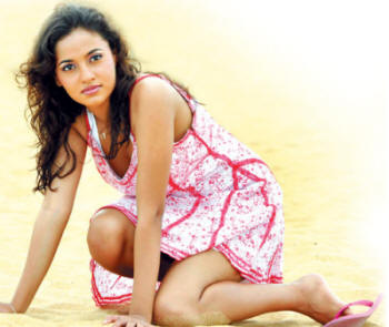 Srilankan Actress Sexy Photos