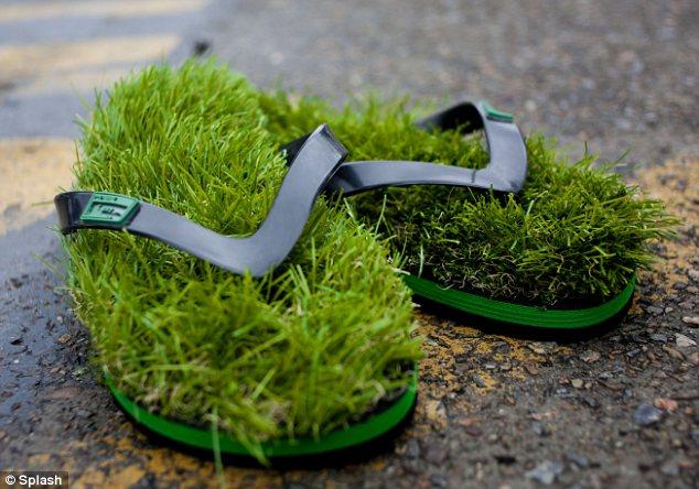 sandal rumput unik