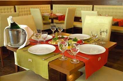 tempat makan di singapura, tempat nongkron di singapura, jenis tempat makan, restoran mewah di singapura