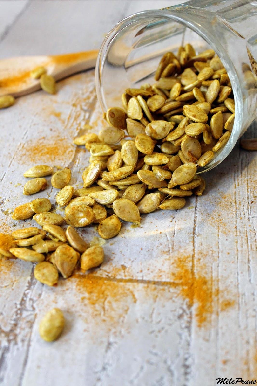 Mlle prune graines de potimarron grill es au curcuma et curry - Graines de potimarron grillees ...