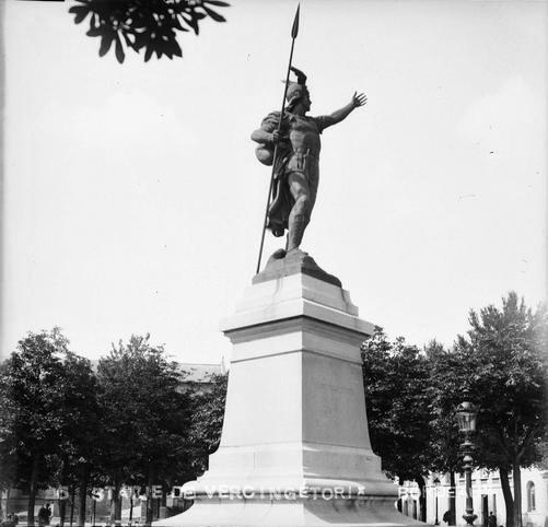 statue vercingétorix allée d'amour
