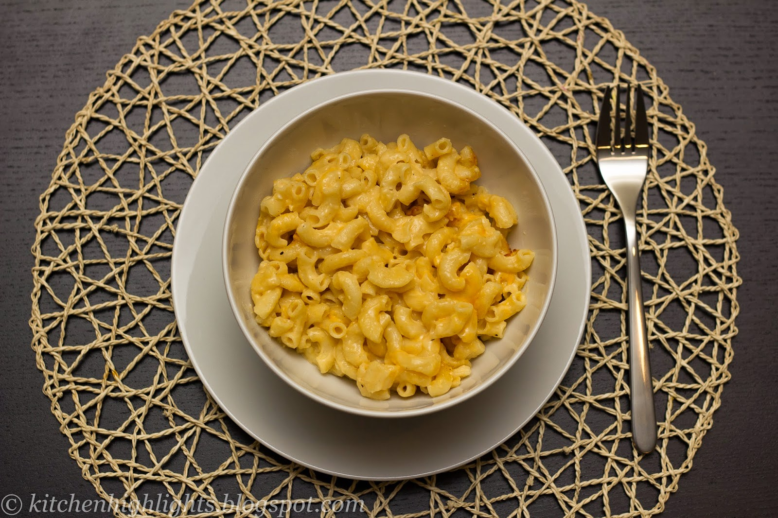 This recipe learns you how to get the perfect creamy macaroni and cheese consistency