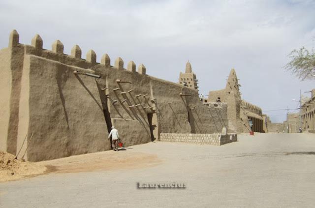 Masjid-Djenne-Mali-Afrika-Barat_3