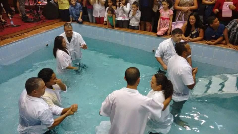 Batismo Abril 2015 IEAB Arapuá