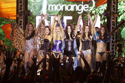 Adriana Lima Monange Dream Fashion Tour