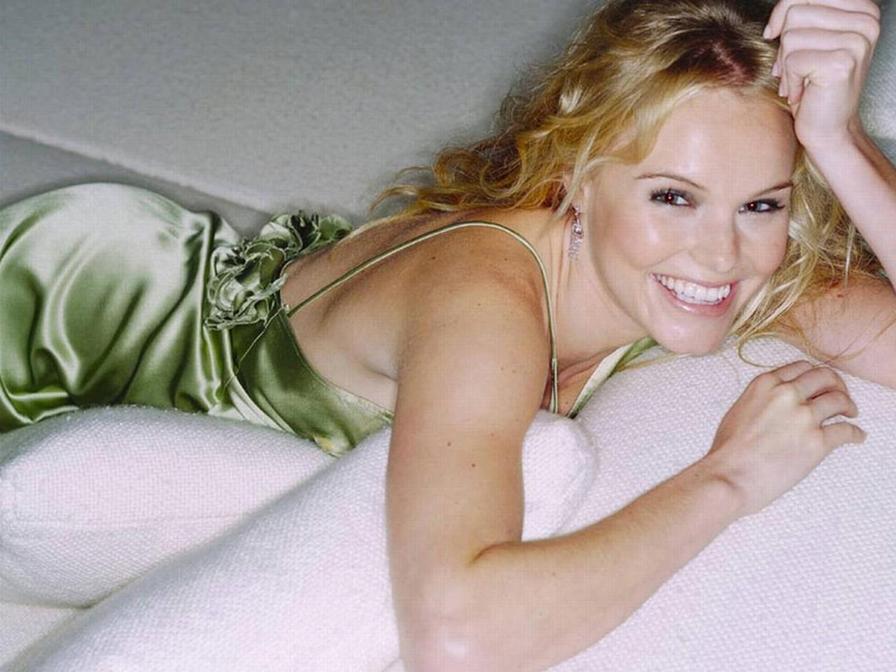 http://2.bp.blogspot.com/-_ExBoP3F1fw/UEMSdMxmtAI/AAAAAAAAAQU/Ol51e4i7hBw/s1600/Kate_Bosworth_Hot-Wallpaper-2012-06.jpg