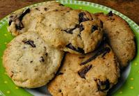 """Cookies """"Amanteigados"""" com Pedacinhos de Chocolate (vegana)"""