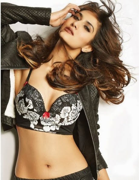 Vaani-Kapoor-FHM-India-Magazine-2014-photo-1