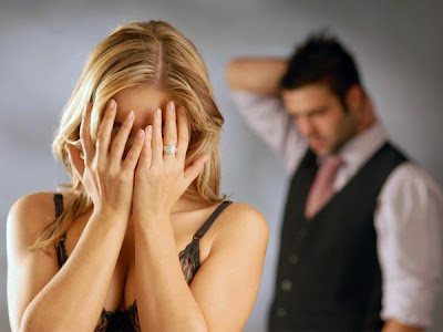 How To Know If He Is Married - broken girl woman heart - lose love