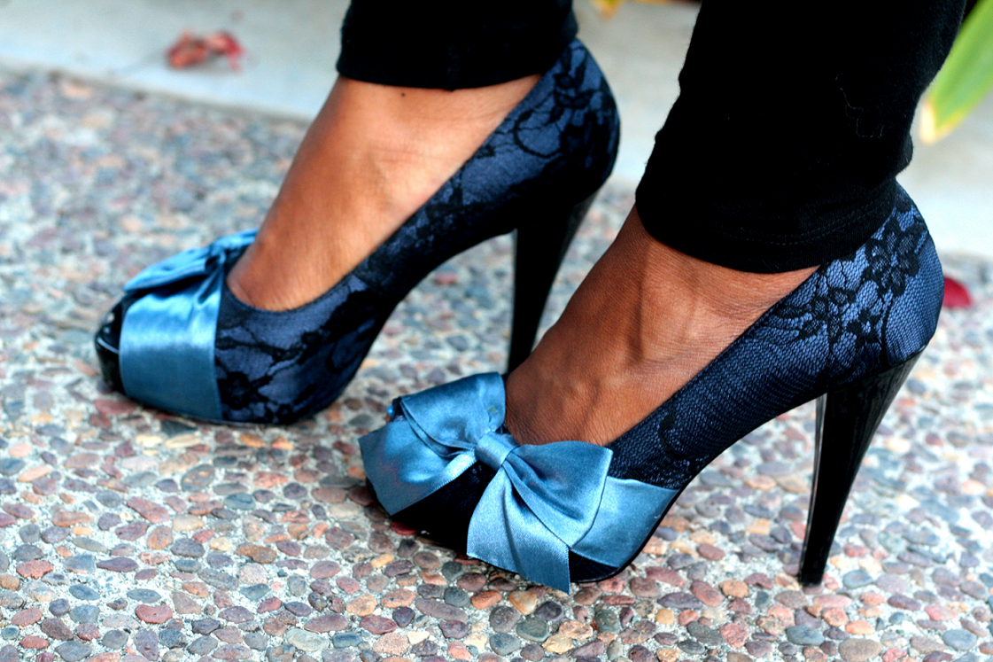 white heels with blue bow