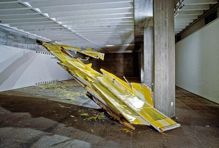 """Kuno Lindenmann, Installation Innen/Aussen """"Mauerdurchbruch"""", Kunstverein Ingolstadt, 1983"""