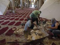 [Foto] Bentrokan Kembali Meletus di Kompleks Masjid Al-Aqsa