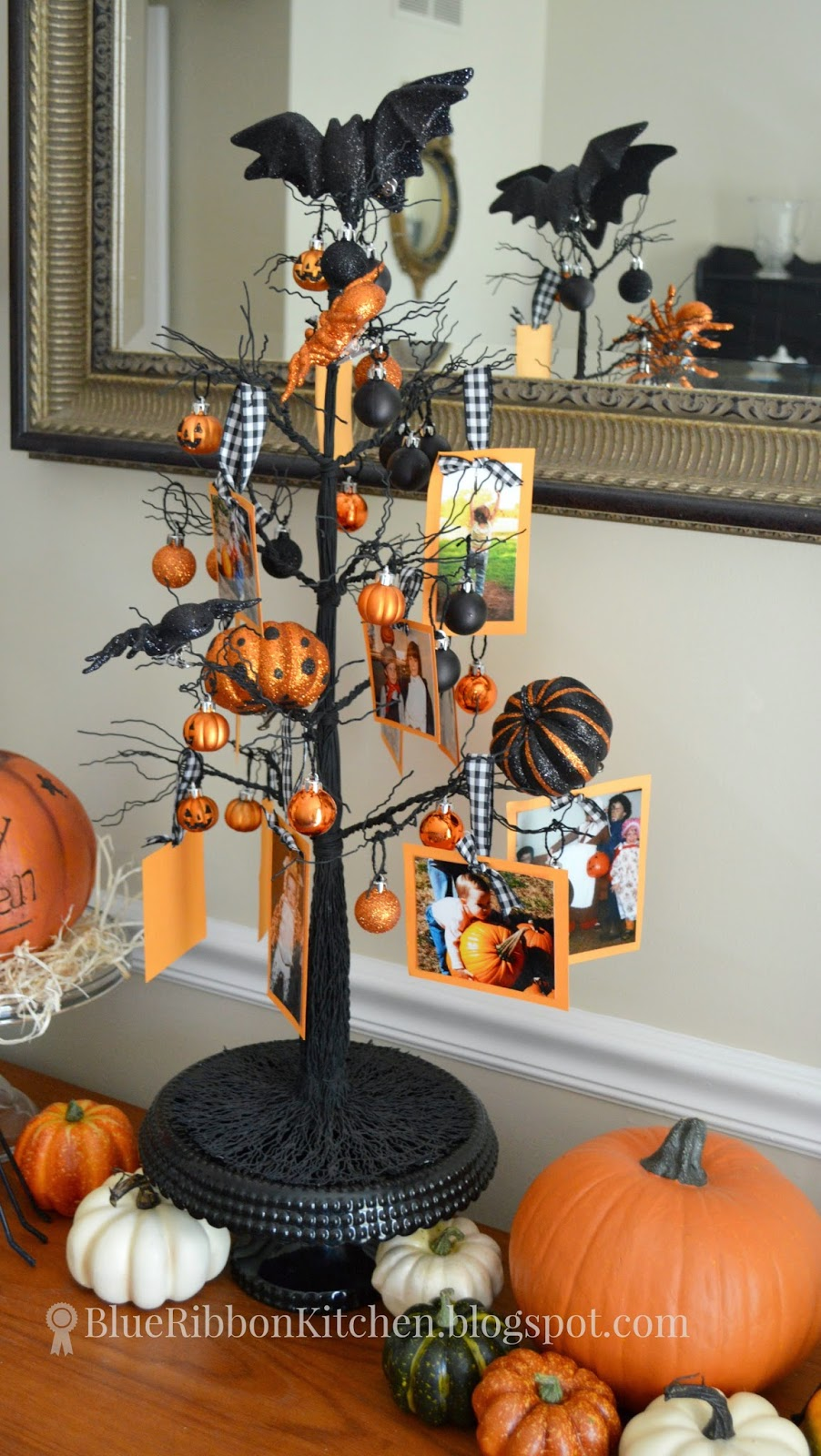 Blue Ribbon Kitchen: HALLOWEEN PHOTO FAMILY TREE