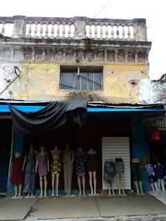 Manequins em  Frente à Casa do Barão de Ijuí